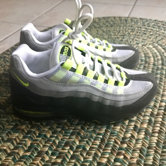 Nike Shoes   Nike Air Max 995 Gradeschooleuc   Poshmark